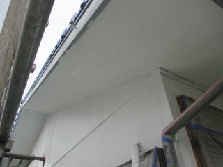 軒天の塗装です。
