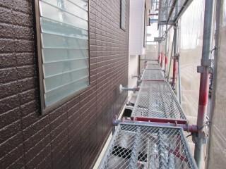 外壁は2色で仕上げました。防水遮熱作用付きです。
